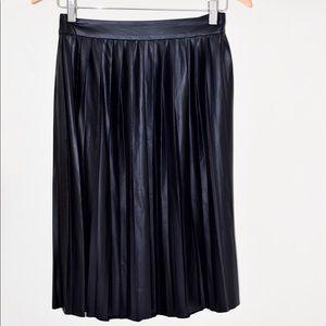 Dresses & Skirts - Pleated Faux Leather Midi Skirt XS Black
